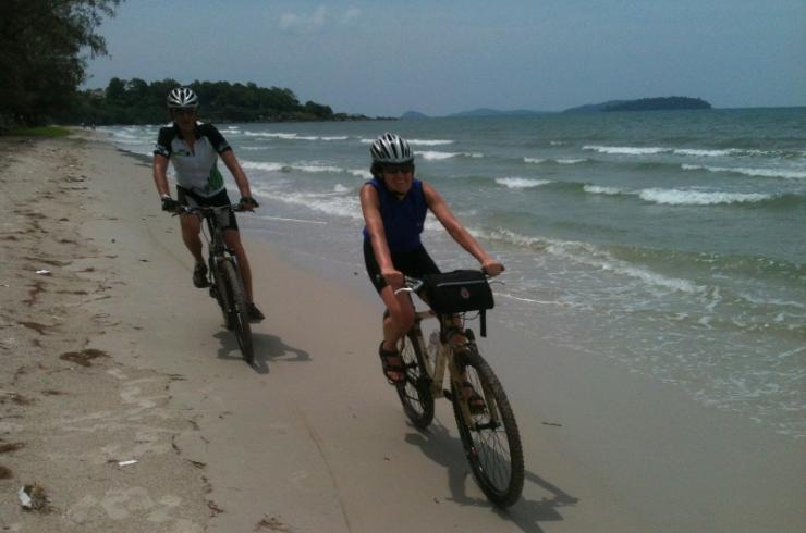 MEKONG AND BEACH BIKING