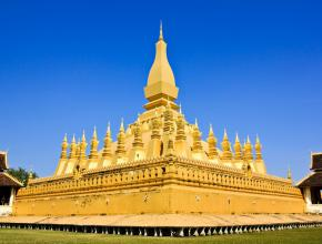 the-golden-pagoda-in-vientiane-loas-1600x1066.jpg